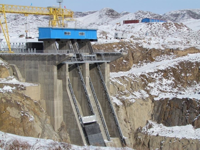 Construction of 300 MW Moynak HPP on Charyn river